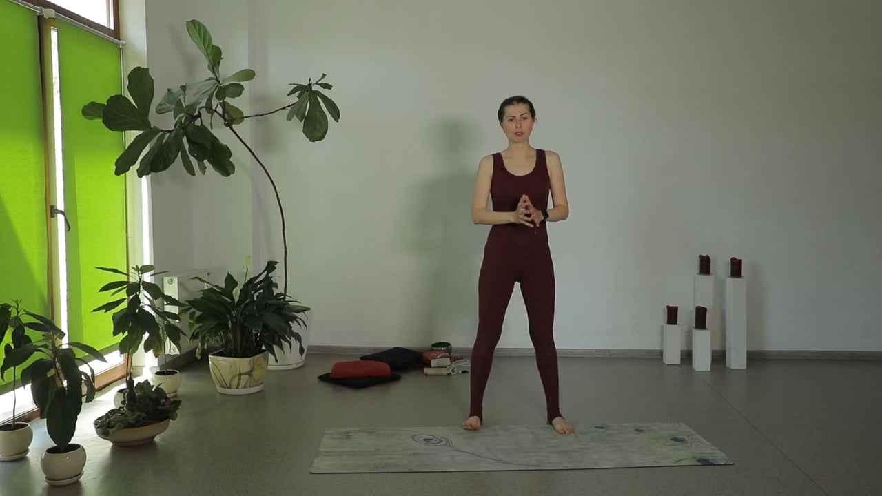 Заняття із силовим нахилом для формування здорових, міцних ніг та грудних м'язів/плечей