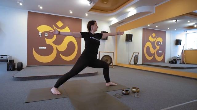 Практика йоги во время беременности в 2 триместре